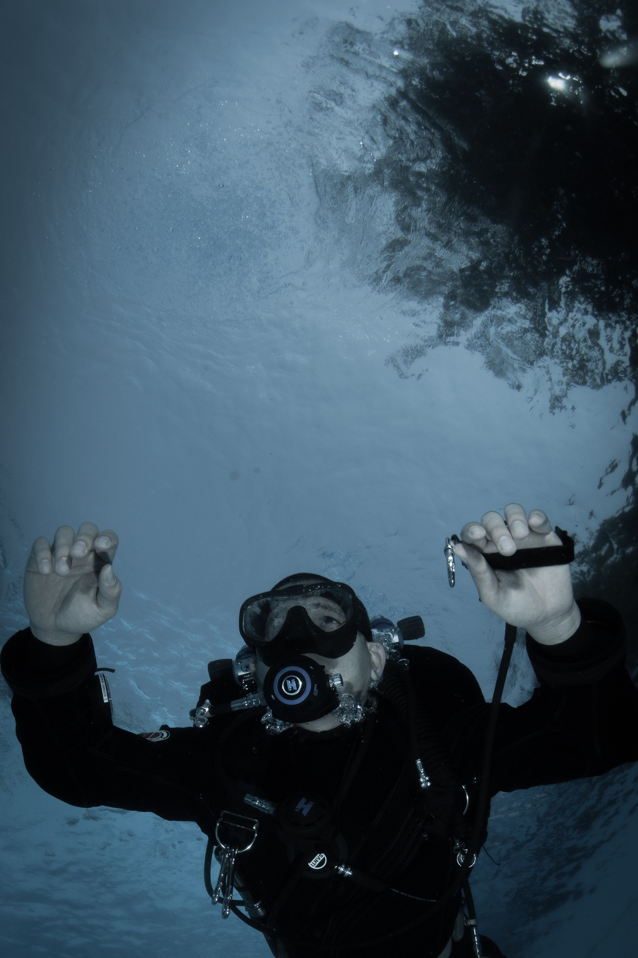 Diving a drysuit